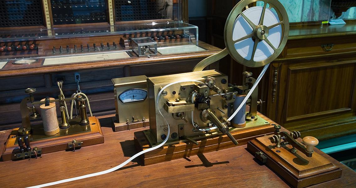 Samuel Morse's amazing morse machine